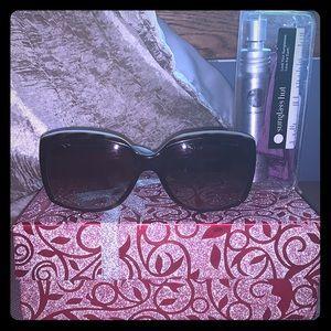 Tiffany & Co. sunglasses 😎